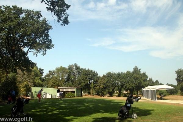 Practice et putting green du golf la Domangère en Vendée à Nesmy Pays de Loire