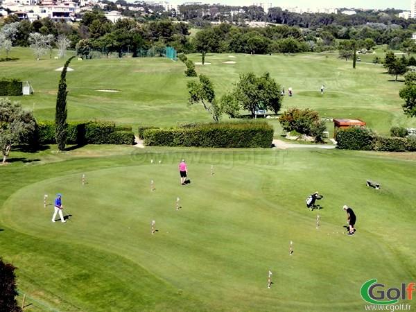 le putting green du golf de Fontcaude proche de Montpellier à Juvignac dans le Languedoc