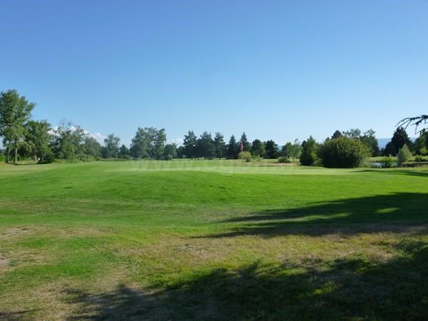 Green n°6 du golf du Forez à Craintilleux dans la région Rhone Alpes en Loire proche de Saint-Etienne