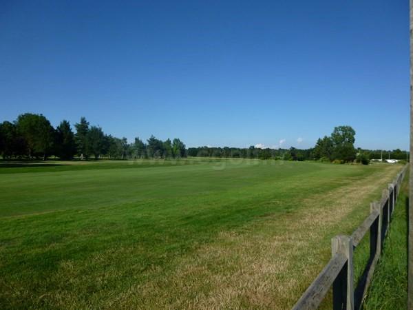 Fairway n°9 du golf du Forez à Craintilleux dans la Loire en Rhône-Alpes