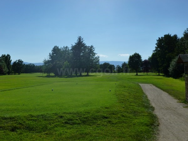 Départ n°10 du golf du Forez à Craintilleux en Rhône-Alpes proche de Saint-Etienne dans la Loire