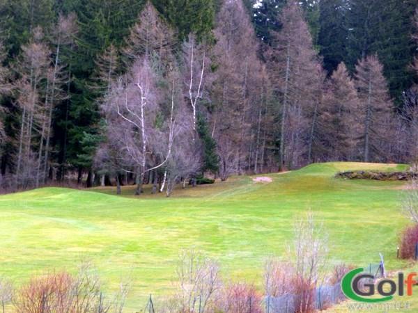 Le départ du trou n°18 du golf de Gap Bayard dans les Hautes Alpes en PACA