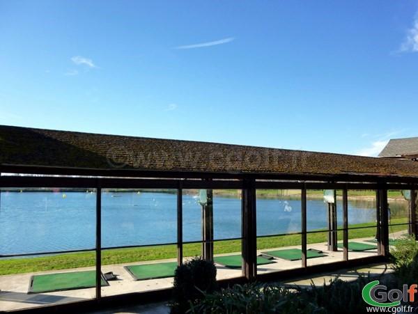 Le practice à Vedène du golf Grand Avignon dans le Vaucluse en Provence