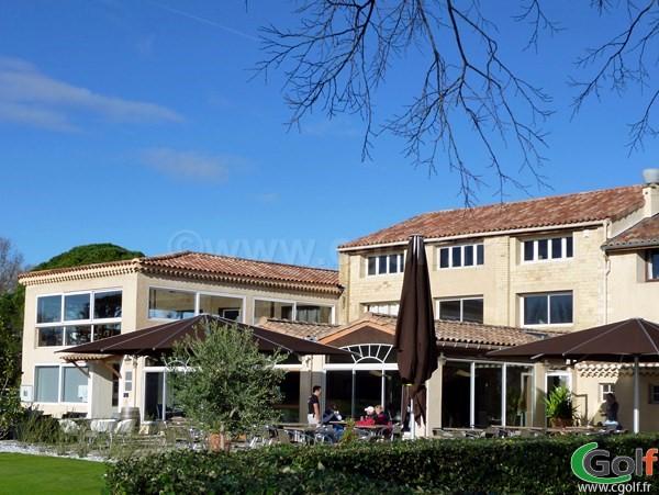 Le club house du golf Grand Avignon à Vedène dans le Vaucluse en PACA