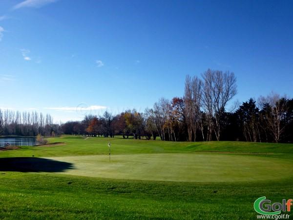 Le green n°18 du golf Grand Avignon en Provence à Vedène dans le Vaucluse
