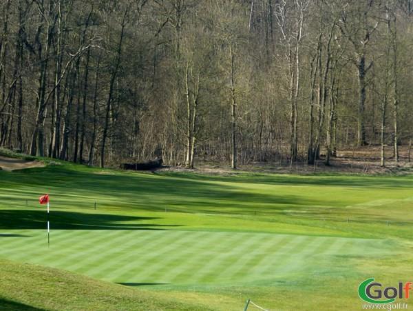 Green du parcours Retz sur le golf de Joyenval à Chambourcy dans les Yvelines