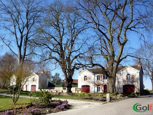 Batisse du golf de Joyenval à Chambourcy en Ile de France dans les Yvelines proche de Paris