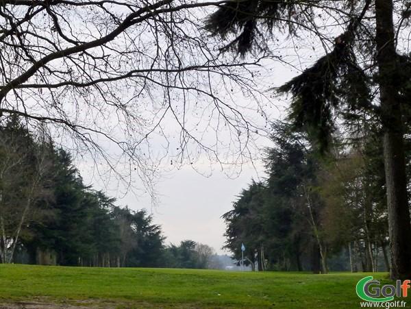 Le green n°13 du golf de la Boulie Racing club de France à Versailles dans les Yvelines