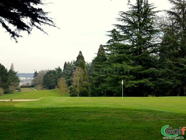 le green n°18 du golf de La Boulie parcours la Vallée à Versailles au Racing Club de France