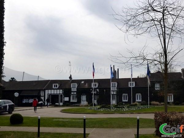 le proshop du golf de La Boulie dans les Yvelines proche de Paris à Versailles