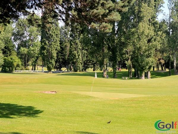 Green du golf compact de La Grande Motte proche de la Camargue dans l'Hérault