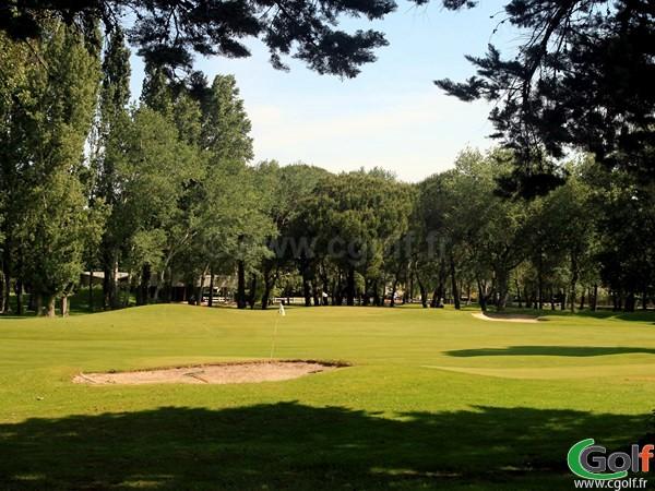 Vue générale du golf compact de La Grande Motte à proximité de la Camargue