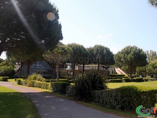 Le club house du golf de La Grande Motte proche de Montpellier et la Camargue