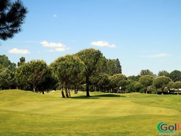 Le green n°9 du golf de La Grande Motte porche de Montpellier dans l'Hérault