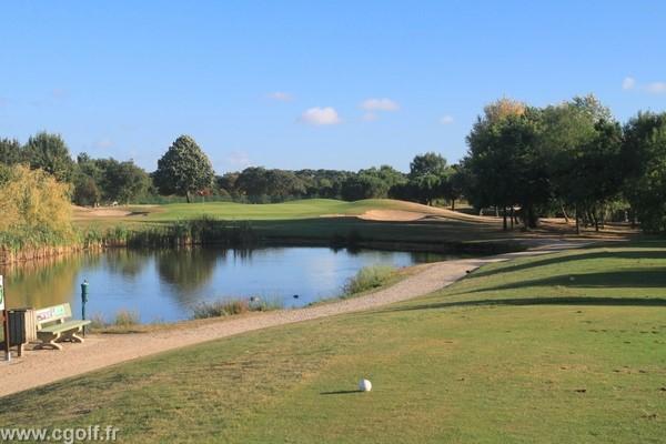 Trou n°12 du golf des Fontenelles à l'Aiguillon sur Vie en Vendée Pays de Loire