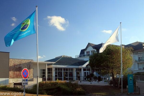 Entrée du club house du golf des Fontenelles en Vendée Pays de Loire à l'Aiguillon sur Vie