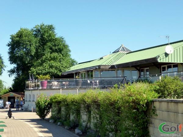 Club house du golf de Lyon Chassieu en Rhône-Alpes dans la banlieu Lyonnaise
