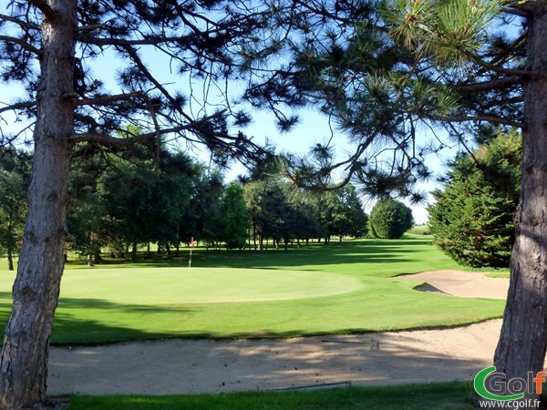Spendide green du golf de Lyon Verger à Saint-Symphorien d'Ozon en Rhône Alpes