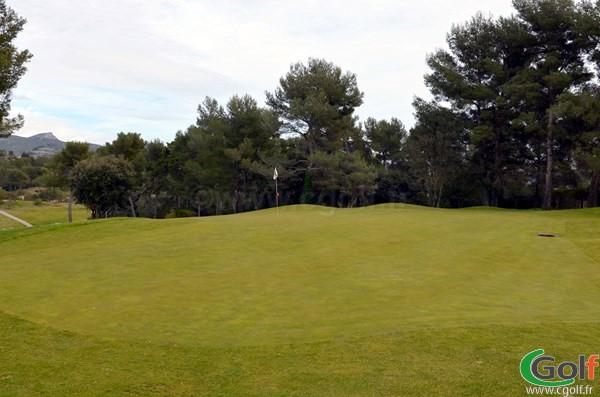Green n°17 du golf de Marseille La Salette dans les Bouches du rhone en PACA