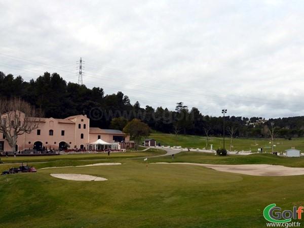 Le green n°18 du golf de Marseille la Salette proche d'Aix en Provence en PACA