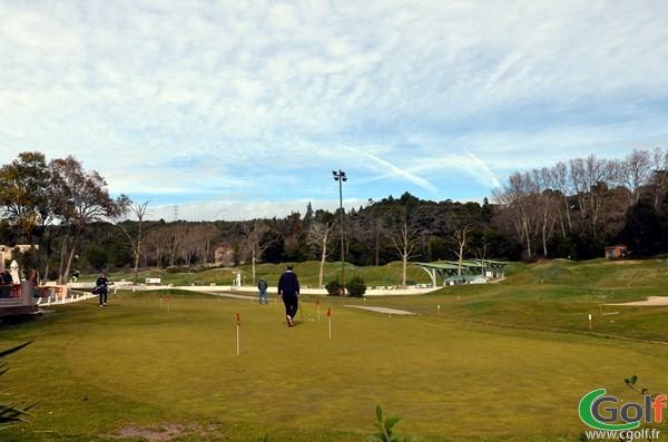 Le putting green du golf de Marseille La Salette en PACA dans les Bouches du Rhone