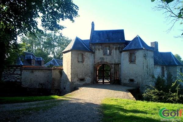Chateau maison forte du golf de Nampont-Saint-Martin en Picardie dans la Somme