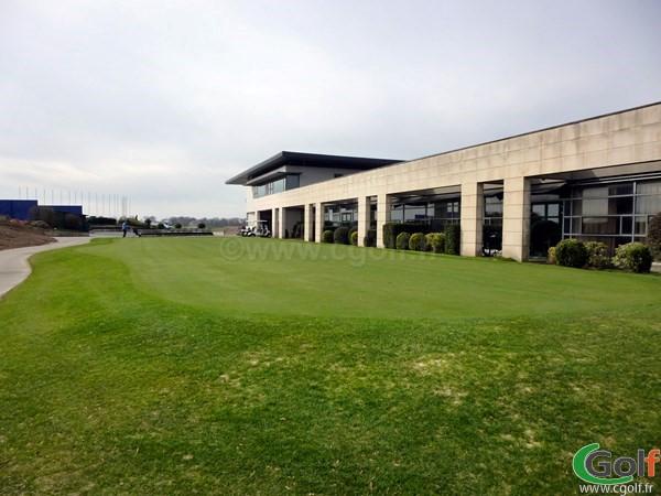 Un putting green du golf National de Paris en Ile de France à Guyancourt