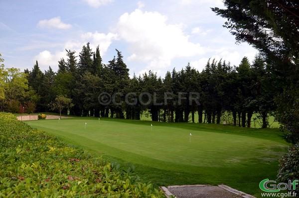 Le putting green du golf de Valbonne Opio dans le 06 Alpes Maritimes