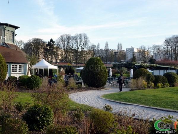 Le club house du Paris golf Country club dans les Hauts de Seine à Saint-Cloud