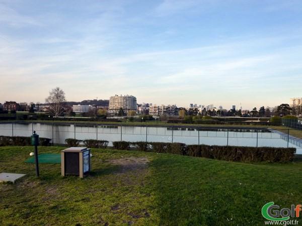 Pitch and putt du Paris golf Country club dans les Hauts de Seine à Saint Cloud