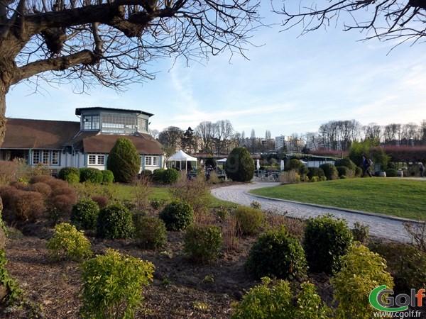 Le club house du Paris golf Country club à Saint Cloud dans les Hauts de Seine en Ile de France