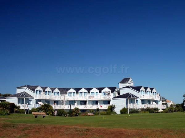 Club house du golf de Port Bourgenay en Vendée Pays de Loure à Talmont Saint Hilaire
