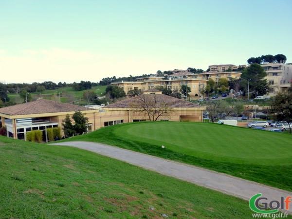Un putting green du golf le Provençal à Valbonne Sophia Antipolis région PACA
