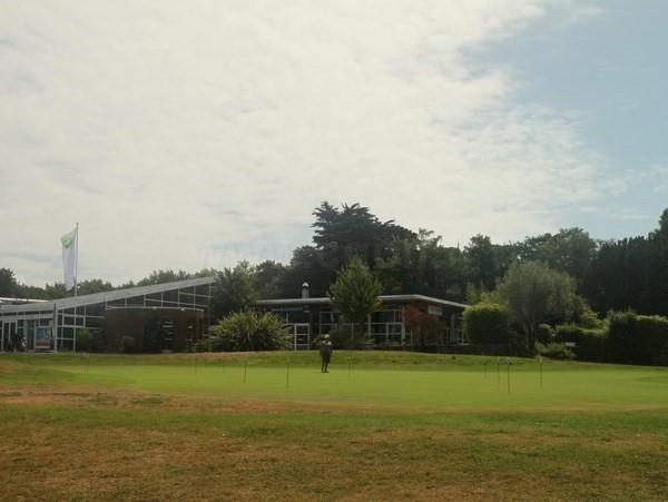 Club house du golf de Rhuys-Kerver dans le Morbihan en Bretagne à Saint-Gildas de Rhuys