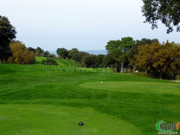 Le départ du n°10 du golf de Roquebrune sur Argens dans le Var en région PACA
