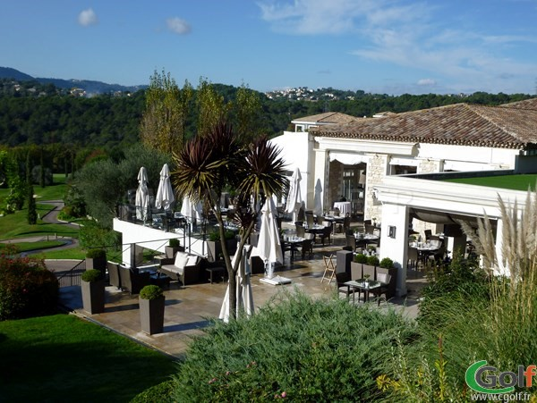 La terrasse du royal golf club de Mougins dans le 06 sur la Cote d'Azur
