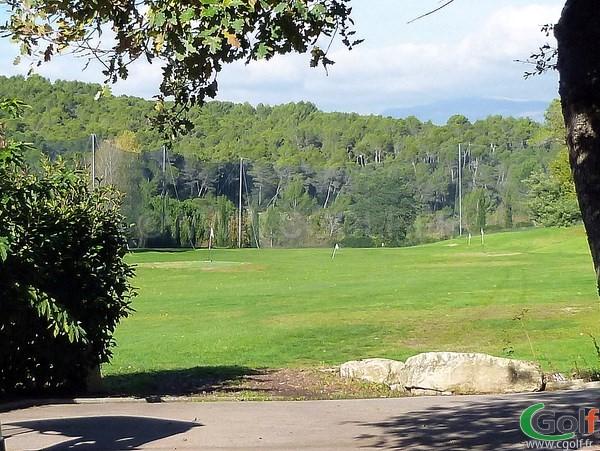 Le practice du Royal Mougins golf club dans les Alpes Maritimes sur la Cote d'Azur