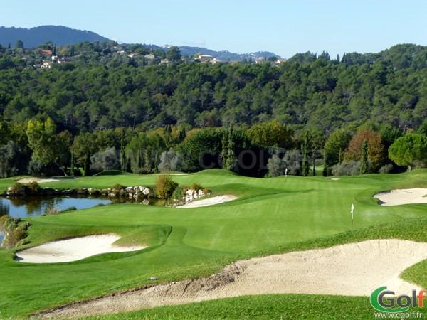 Le double green n°18 et n°3 du Golf club de Royal Mougins dans les Alpes Maritimes