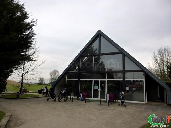Le club house du golf de Saint Aubin proche de Paris et Versailles