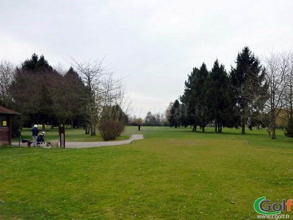 Le départ n°1 du golf de SAint Aubin le Mesnil dans l'Essonne à Paris Ile de France
