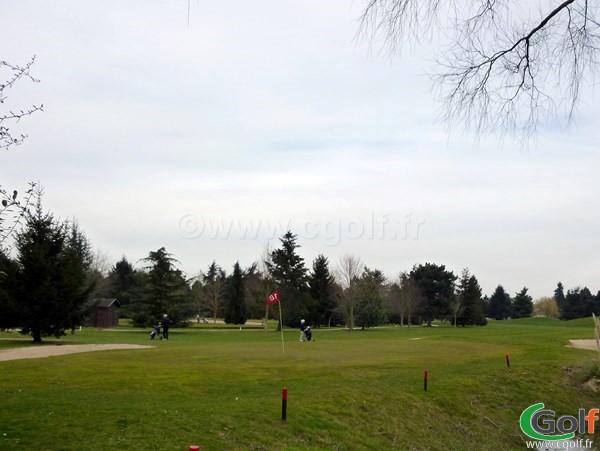 Le green n°18 du golf de Saint Aubin parocurs le Mesnil proche de Paris dans l'Essonne