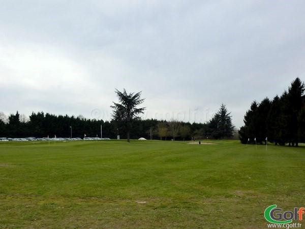 zone de pitching green du golf de Saint Aubin dans l'Essonne proche de Paris en Ile de France