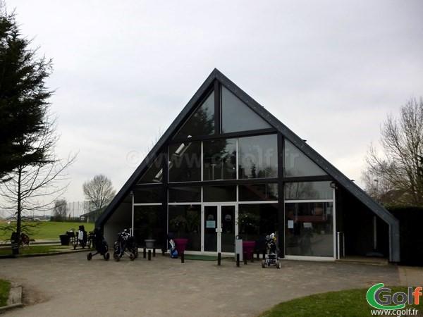 Le club house du golf de Saint Aubin proche de Paris dans l'Essonne en Ile de France