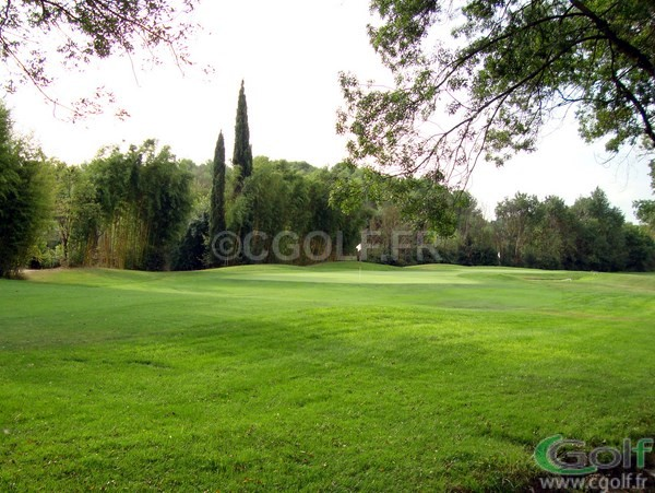 Le green du N°9 et N°1 du golf compact de Saint Donat à Mouans Sartoux Grasse