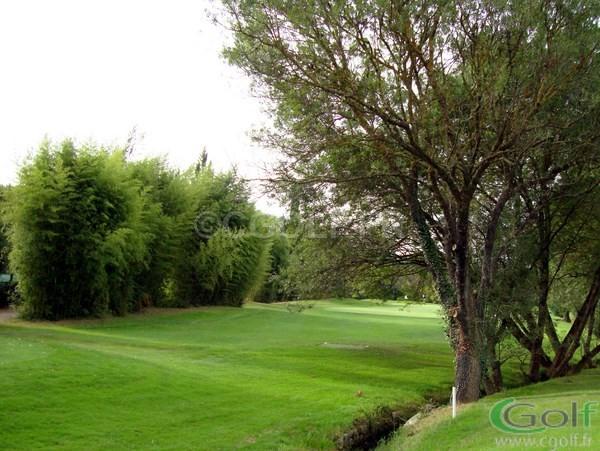L'arrivé du trou n°9 avec son green du golf de Saint Donat à Grasse