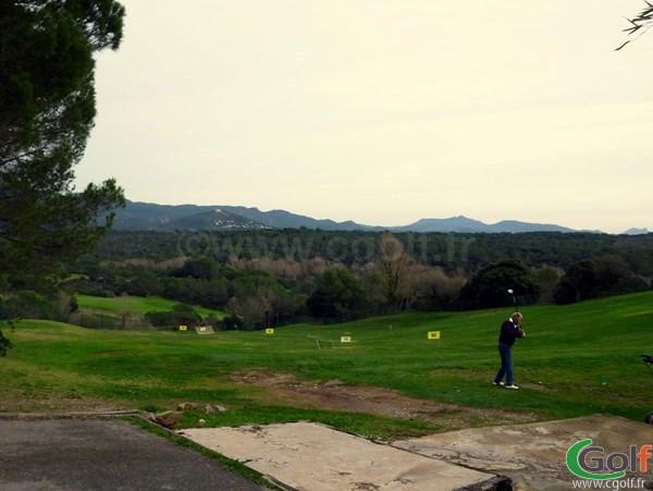 Le practice du golf du domaine de Saint Endréol dans le Var à La Motte en PACA