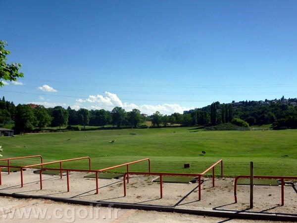 Practice du golf de Saint-Etienne dans le département de la Loire en Rhône-Alpes Auvergne
