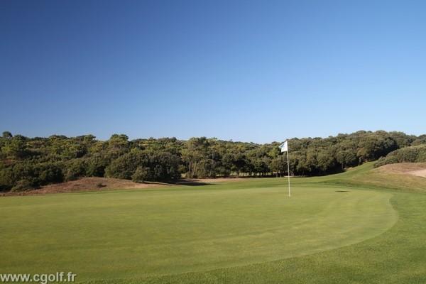 Green du golf de Saint-Jean-de-Monts proche de Nantes en Vendée Pays de Loire