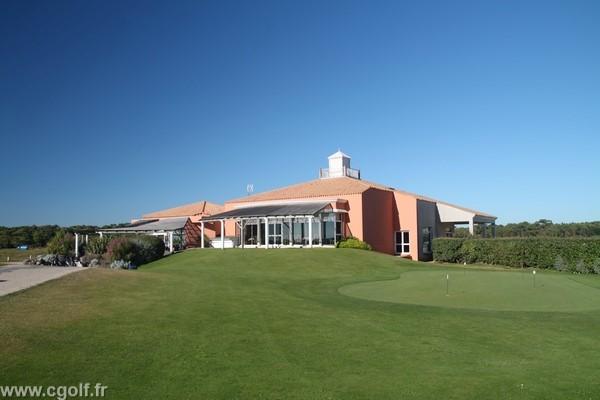 Club house de golf à Saint-Jean-de-Monts en Vendée Pays de Loire côte Atlantique