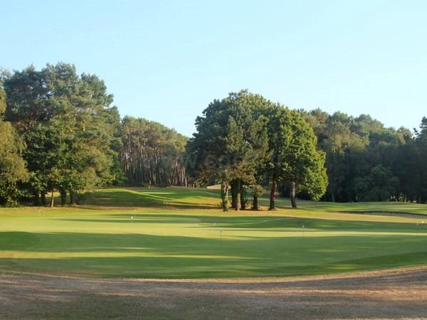 putting green du golf Saint Laurent à Auray dans le Morbihan en Bretagne